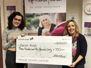 Amie Louise sings for Dorset Mind