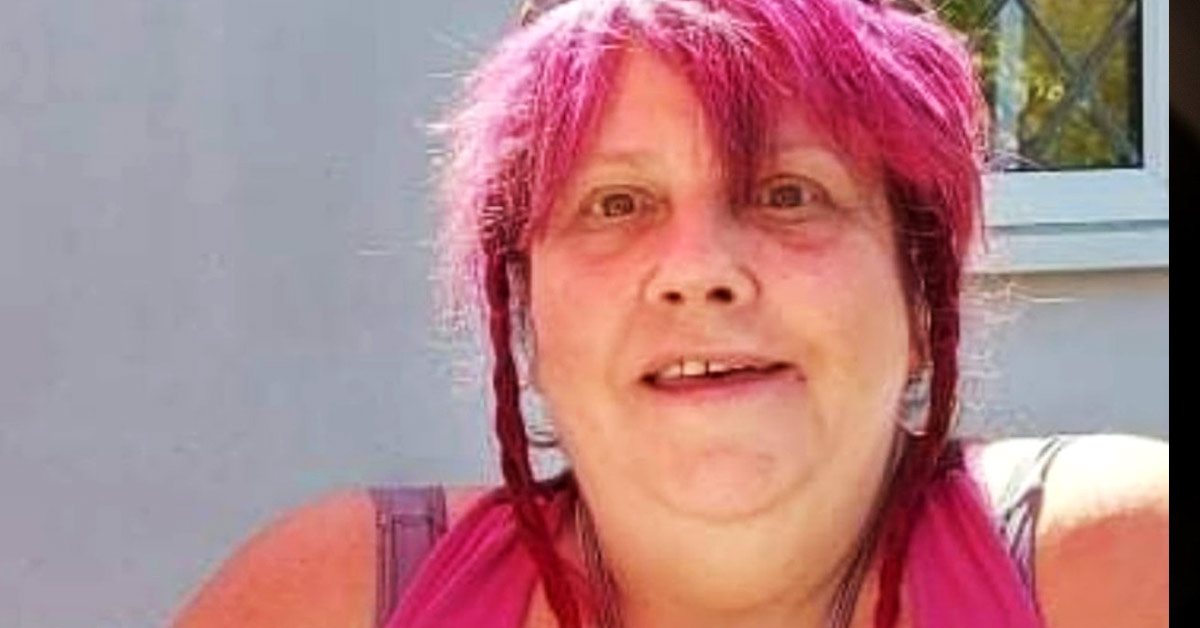 Lady With Pink Hair Who Has Schizophrenia